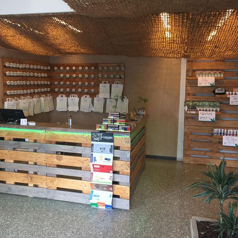 Vendita di prodotti per la saluta alla canapa